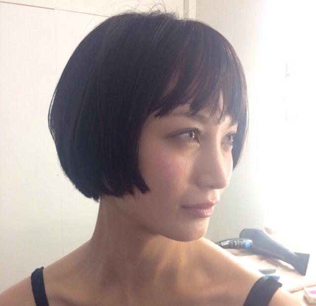黒田エイミ 横顔